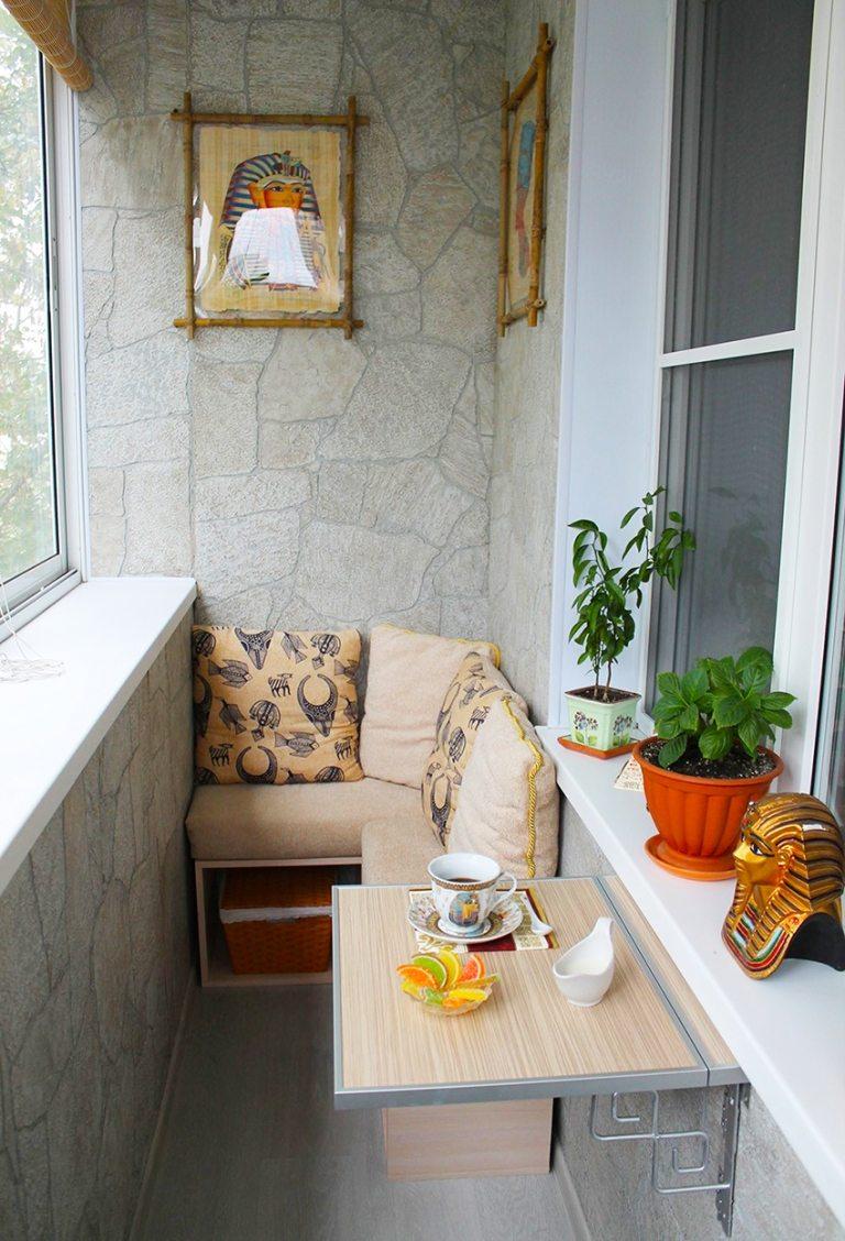 Балкон в хрущевке можно превратить в уютное место отдыха