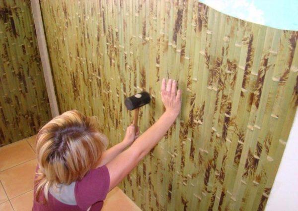 Бамбуковые панели можно клеить только на ровную поверхность