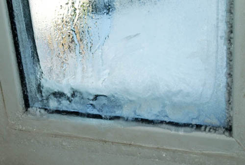 Если окно замерзло