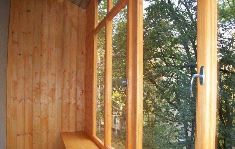 Естественная красота деревянных элементов радует глаз даже самых привередливых потребителей