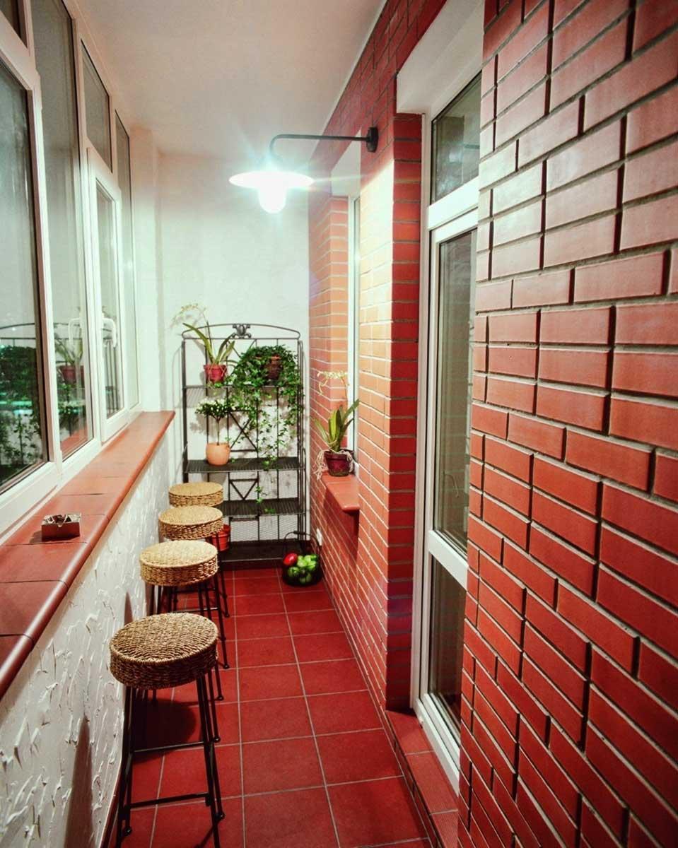 фактура и цвет материала при оформлении балконного бара