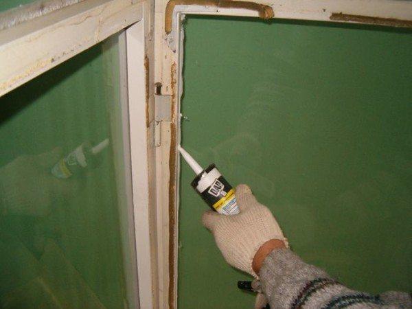 Герметизация стекол при помощи силикона