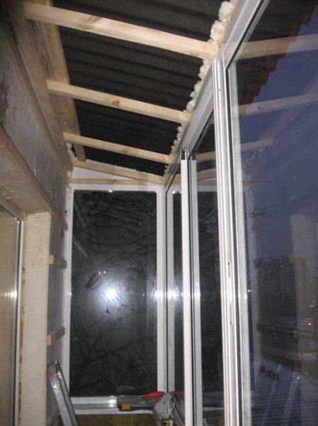 Главное, чтобы крышу приподнять как можно выше, не создавая сжатого пространства