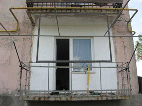 как отремонтировать балкон