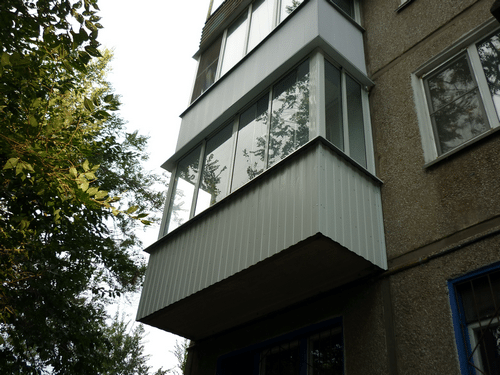 обшивка балкона своими руками видео