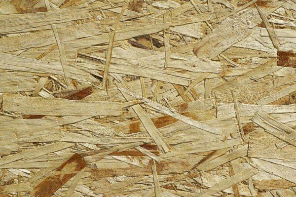 OSB изготавливается из крупной хвойной и лиственной стружки