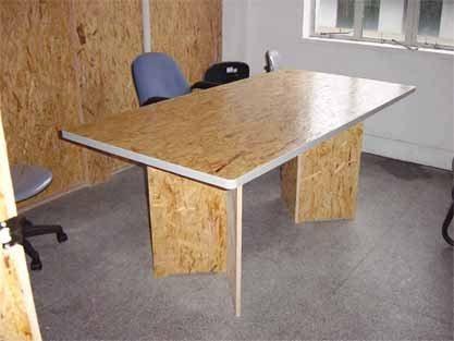 ОСП применяется в мебельной промышленности, хотя такой дизайн не всем понравится