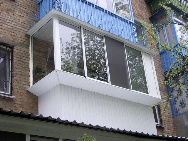остекление балконов с выносом алюминиевым профилем