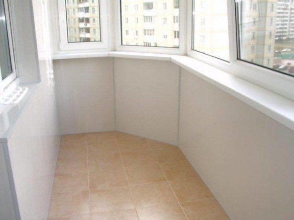 отделка пластиком балконов