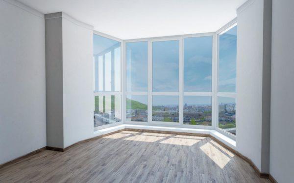 Панорамное окно можно установить и вместо балкона