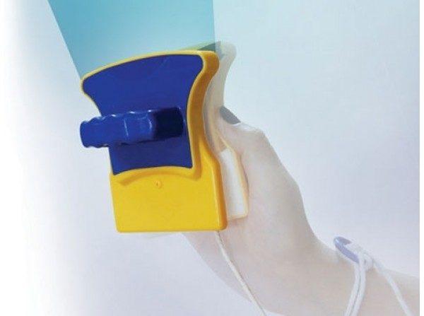Щетка для мытья окон на магнитах — удобное приспособление, но не без недостатков