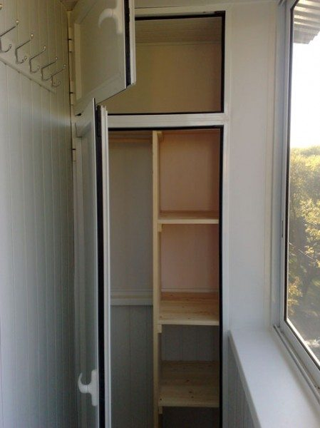 шкафы для лоджии