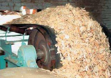 Стружку обрабатывают клеем и водоотталкивающими пропитками