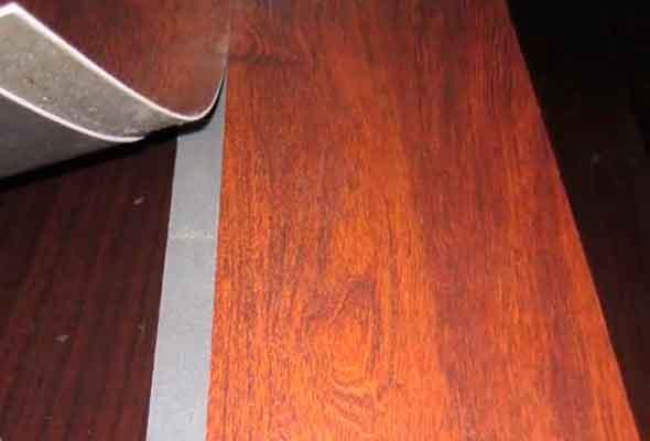 Толщина кварцвиниловой плитки не превышает нескольких миллиметров