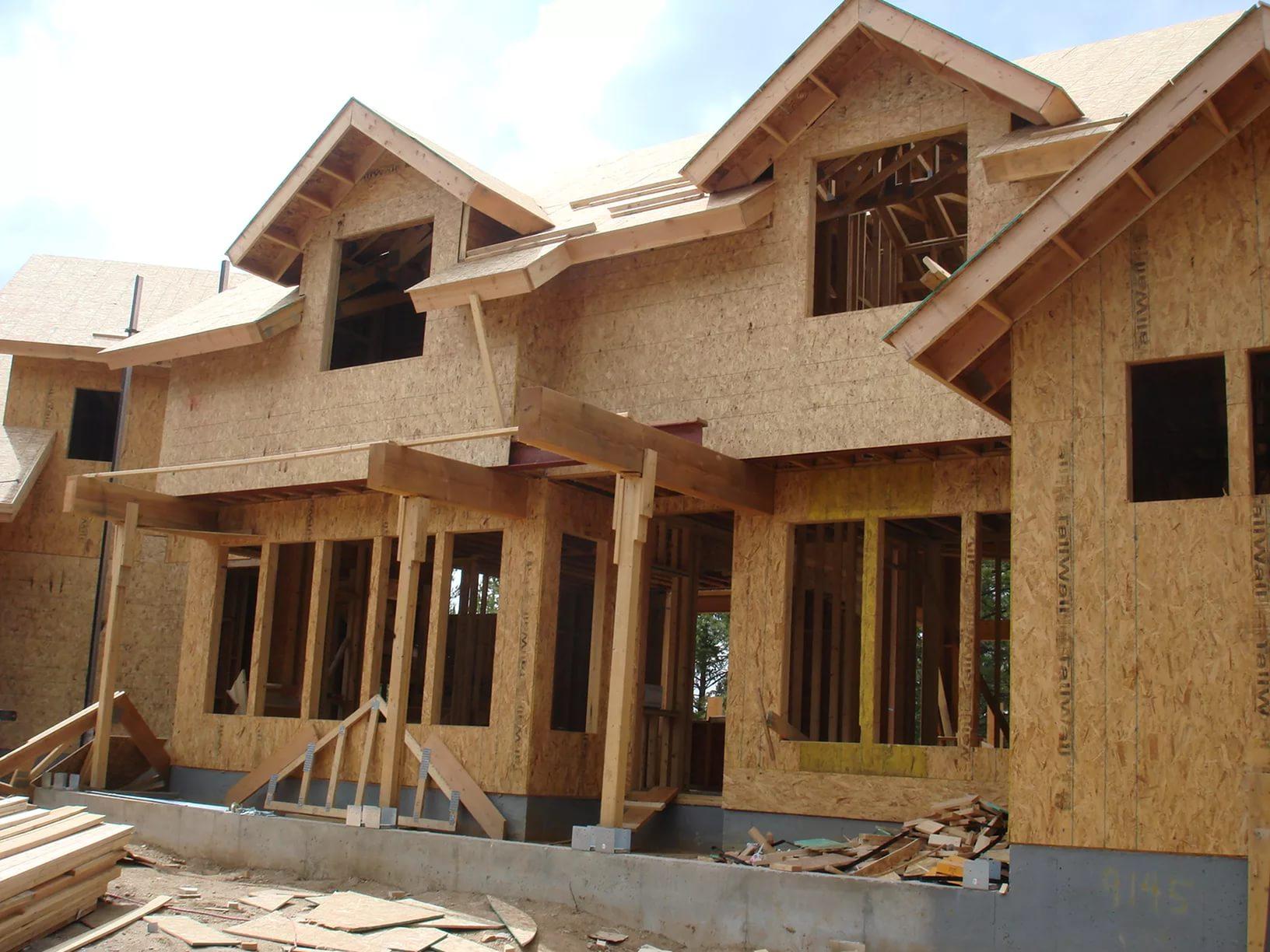 Влагоустойчивость материала позволяет использовать его для обшивки фасадов