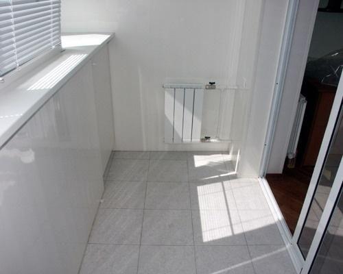 внутренняя отделка балкона. Плитка, вагонка, отопление