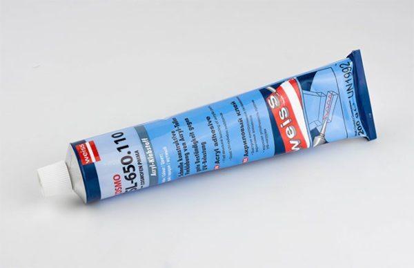 Жидкий пластик для окон позволит заделать стыки между оконными рамами и откосами нескольких окон