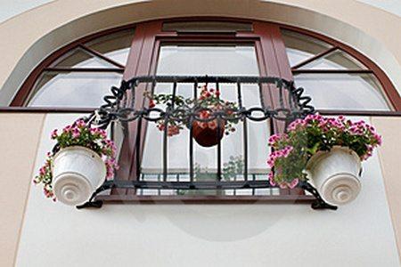 арочная конструкция французского окна