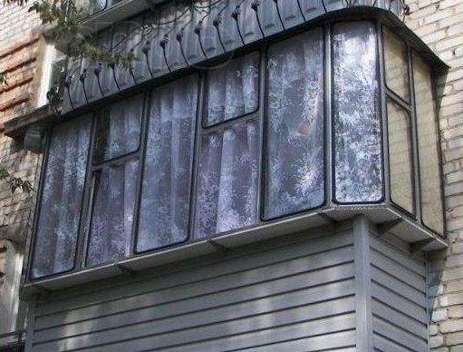 Балконные рамы оцинкованные – простое решение для остекления