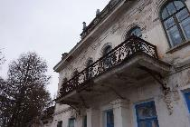 Чугунная литая решётка на балконе