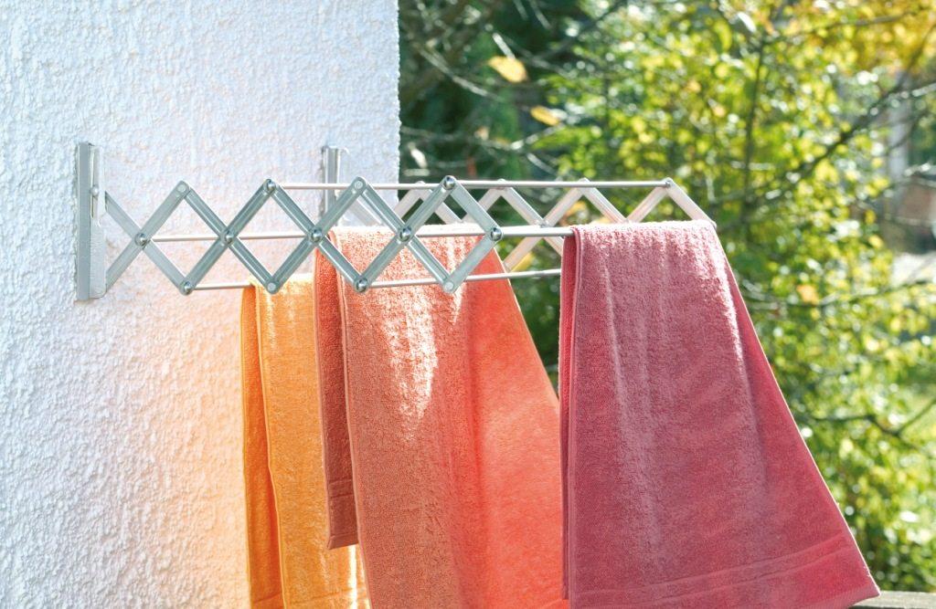 Вешалка для белья на балкон: потолочная, напольная, лиана.
