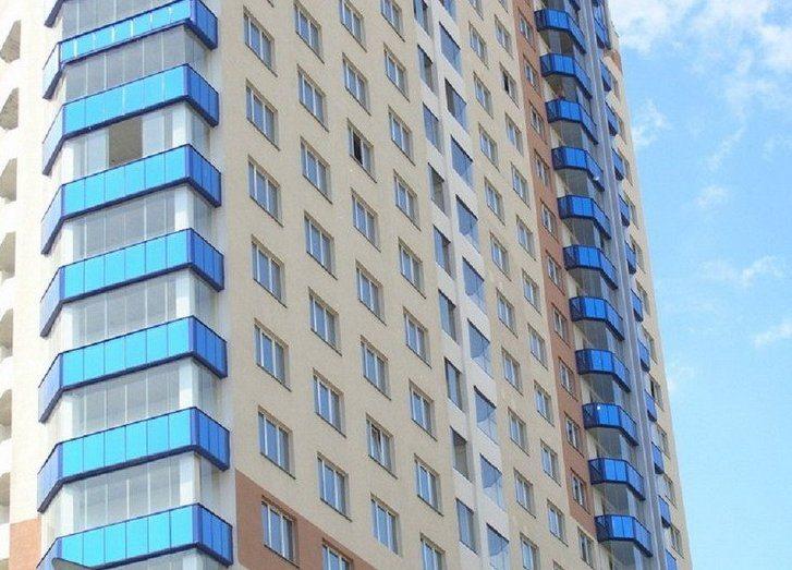 Безрамное остекление в высотных зданиях