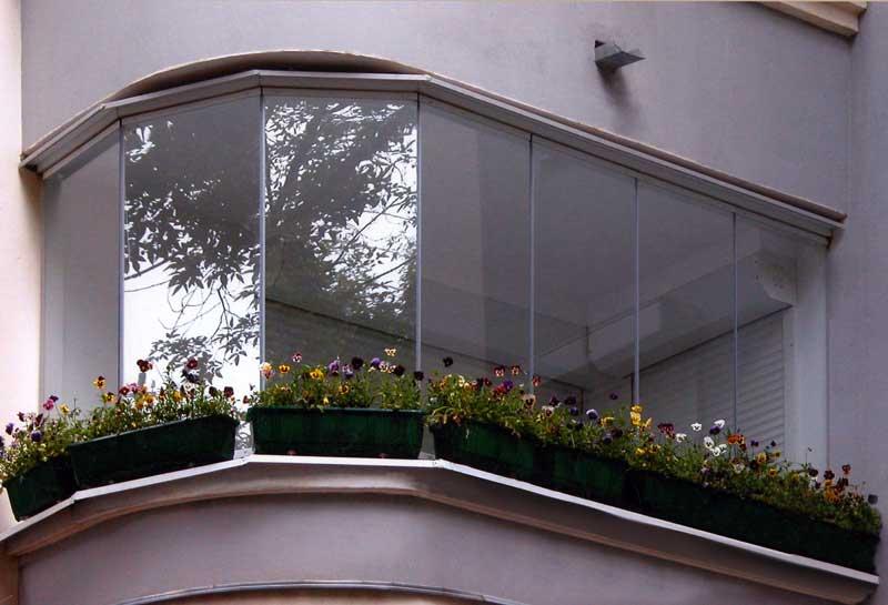 Остеклённый балкон