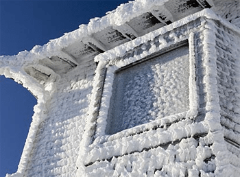 Чтобы этого не происходило, окно нужно утеплить.