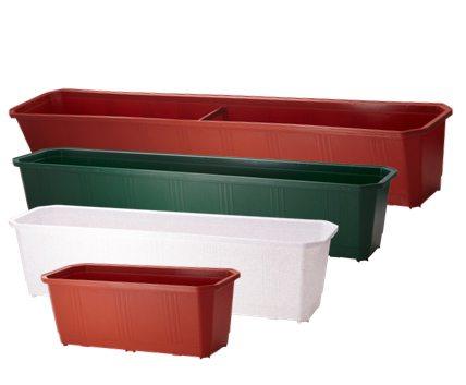 Ящики различного размера для балконных цветов