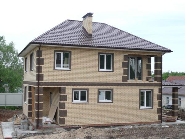 Для коттеджей с низкой теплопроводностью стен оптимальный выбор — многокамерные окна