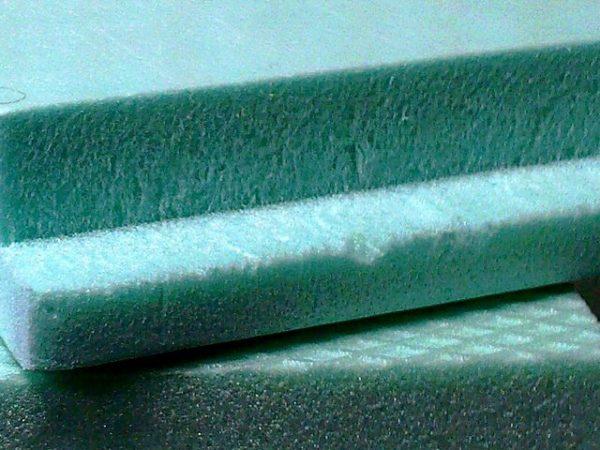 Экструзионный пенополистирол — прочный полимерный утеплитель с более высокими характеристиками, чем пенопласт