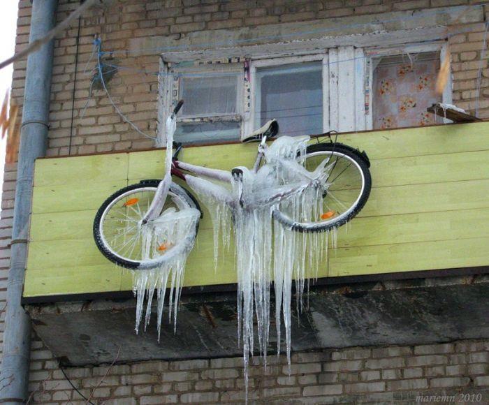 Неправильный способ хранения велосипеда на балконе