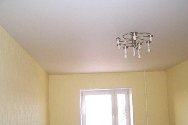 Идеально ровный потолок – обязательная часть любого современного интерьера
