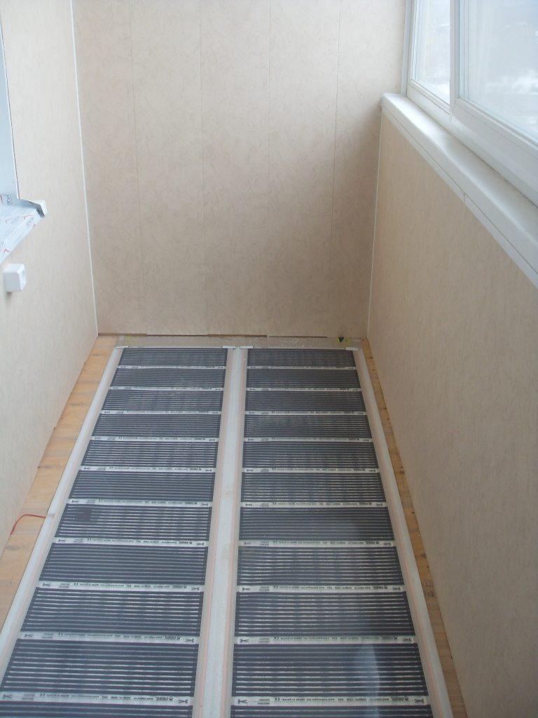 Теплый пол на балконе: электрические и водяные системы отопл.