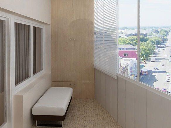 Незатейливая комната на остеклённом балконе