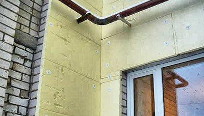 Утепление стен с помощью листов пенополистирола