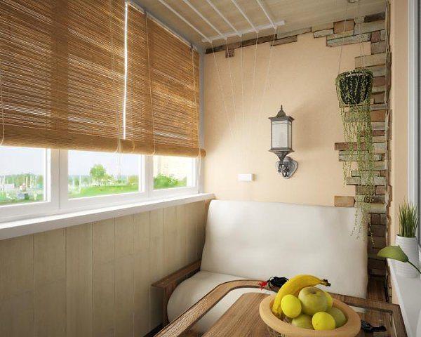 Оригинальная комбинированная отделка балкона