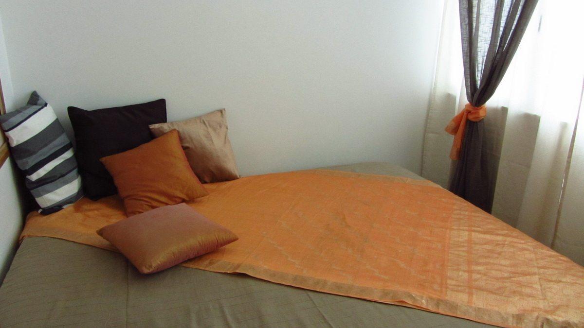 На лоджии всегда найдётся место для двуспальной кровати