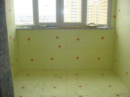 кухню с балконом соединить