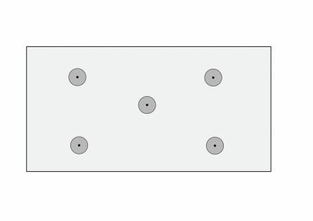 Лист пенопласта фиксируется пятью грибками