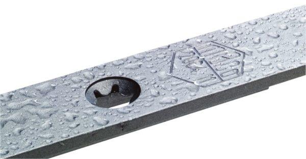 Металлические детали должны быть покрыты защитным составом — иначе они очень быстро заржавеют