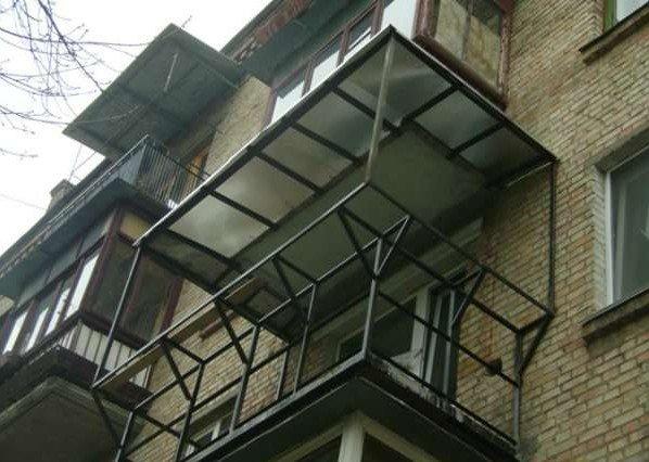 металлический каркас для расширенного балкона