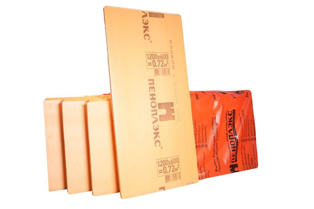 На фото — Пеноплекс-К, предназначенный для утепления крыш.