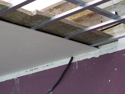 Потолок на балконе: как сделать натяжные покрытия.