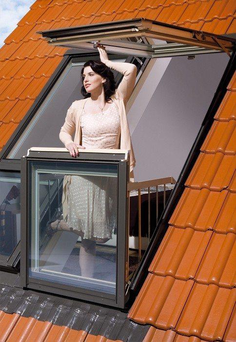 Окно-балкон для мансарды в разложенном положении