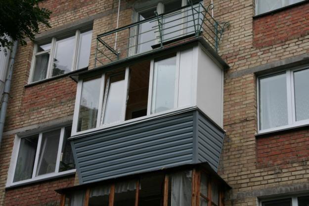 Внешний вид балкона с выносом