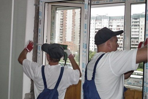 После установки пластикового окна в балконе создастся микроклимат