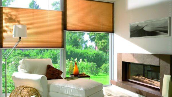 Плиссе — стильный вариант для пластиковых оконных конструкций