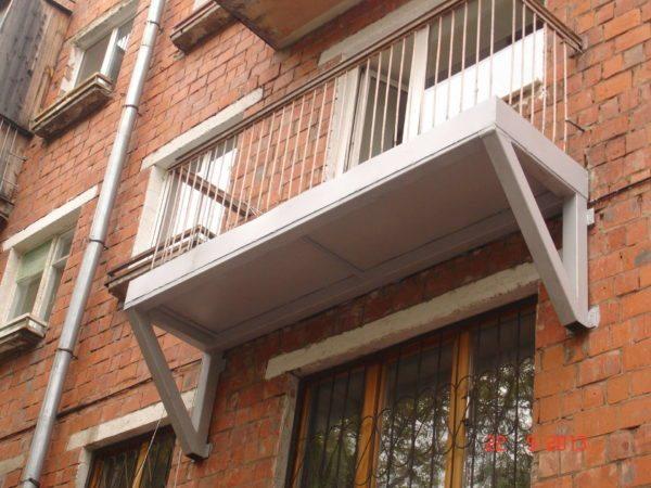 Пример усиления нижней плиты с установкой дополнительных опор