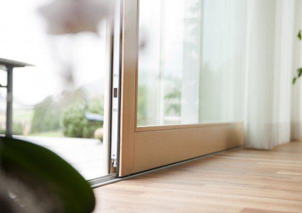 Алюминиевый порожек сдвижной двери высотой 18 мм